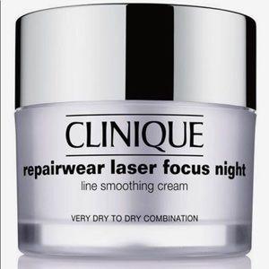 Clinique Repairwear Laser Focus Night